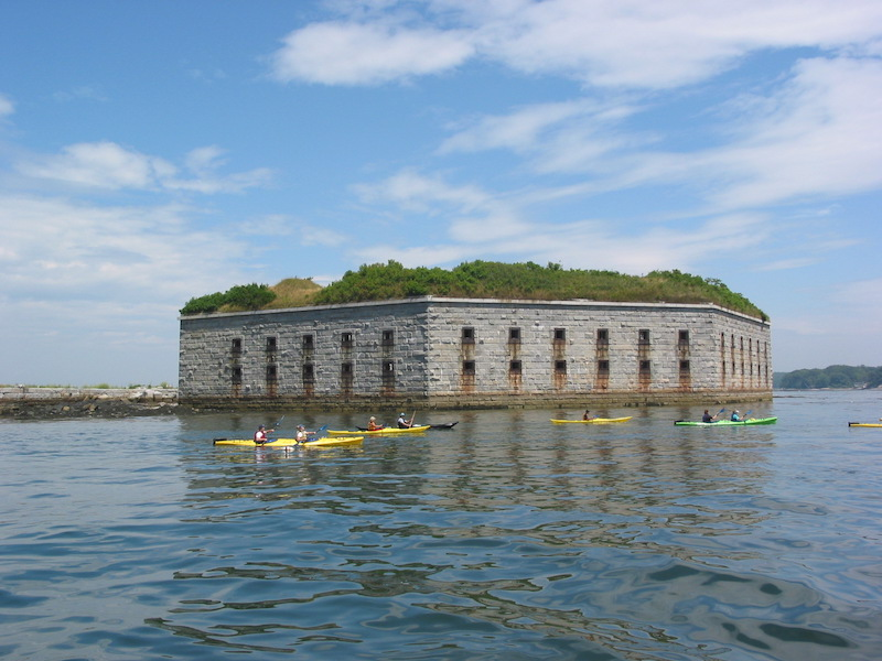 kayakers by Fort Gorges