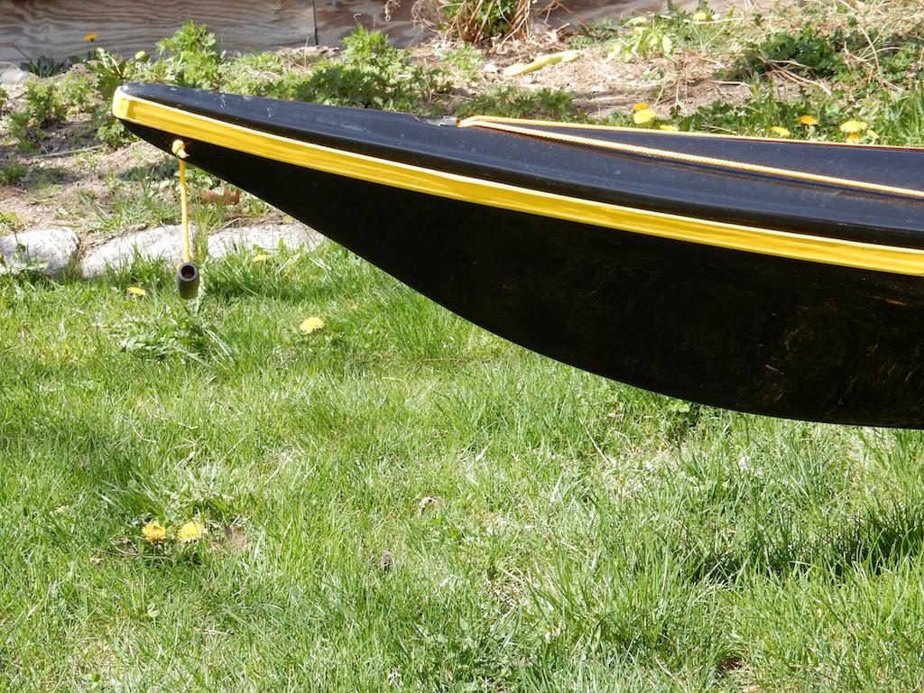 Romany classic black:black:yellow bow
