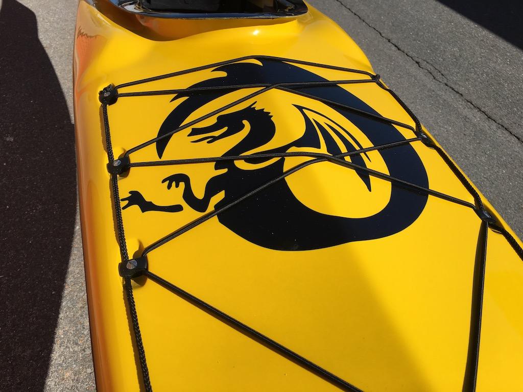 Surf y:w:blk foredeck dragon